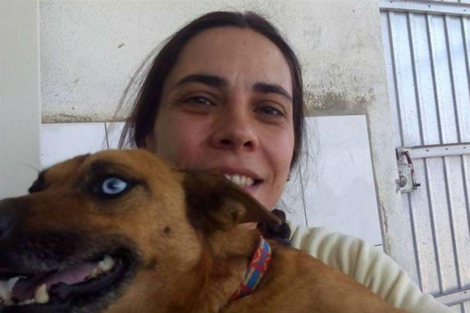 Conoce a Liliana Dos Santos, mujer que salvó a más de 80 perros